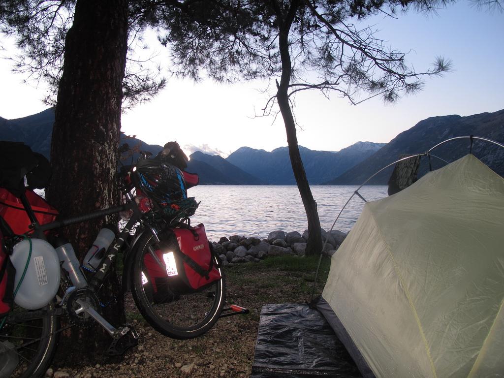 Viaggiare da soli in bicicletta