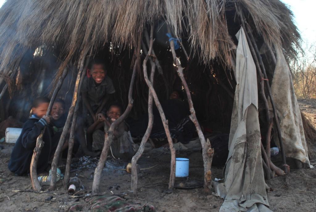 Tribu San nel Kalahari