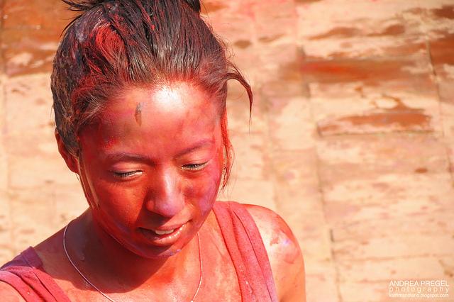 nepal la festa dei colori