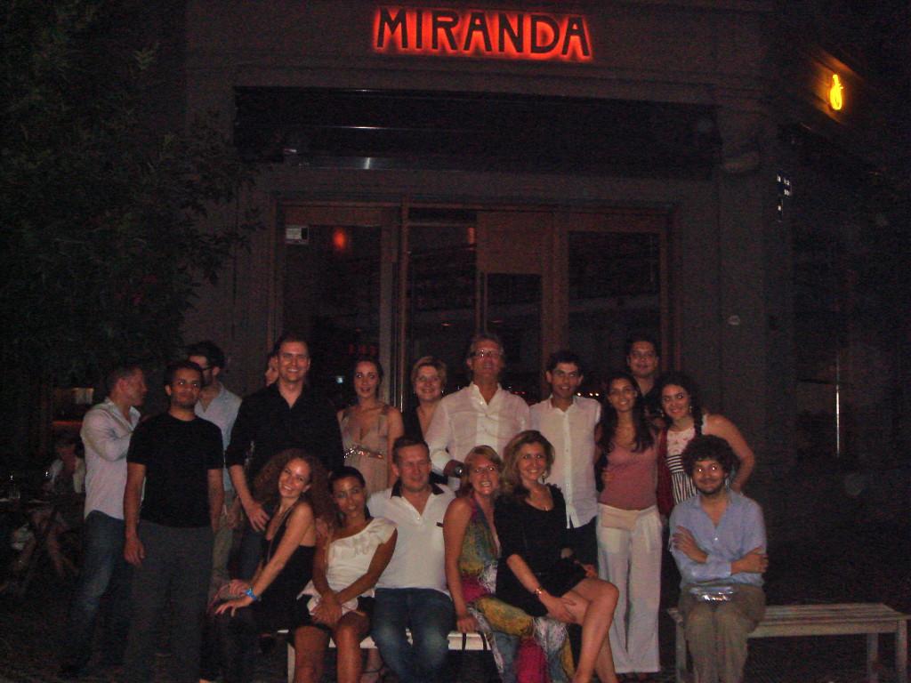 Cena Small World a Buenos Aires tutti sconosciuti, una notte meravigliosa