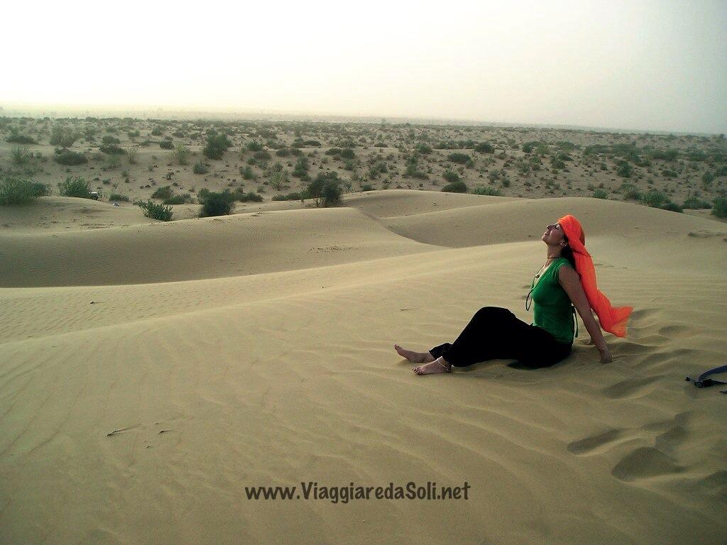 Daniela nel deserto del Rajastan- India