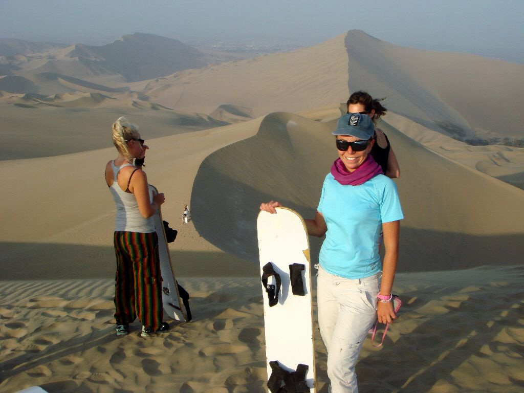 Prima di buttarmi da una duna di 60m a Huacachina Perù