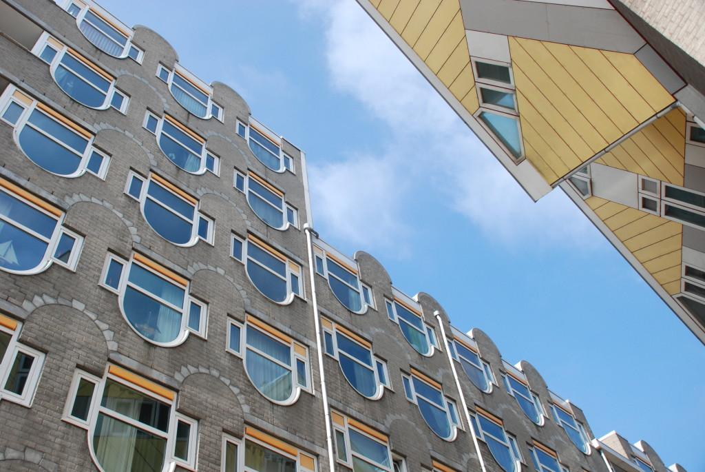 Il cielo sulle architetture di Rotterdam