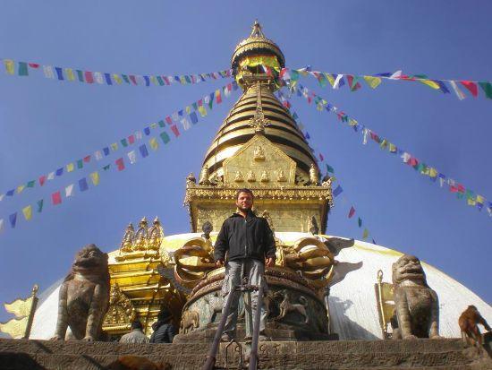 Ernesto in Nepal a piedi