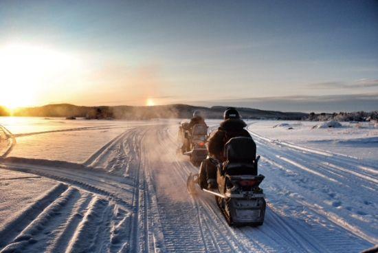 motoslitta_lago_Inari_Finlandia_Visit_Inari