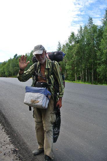 A 66 anni tutta la Russia a piedi