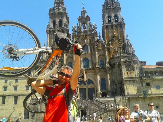 Cammino di Santiago in bicicletta per imparare la condivisione