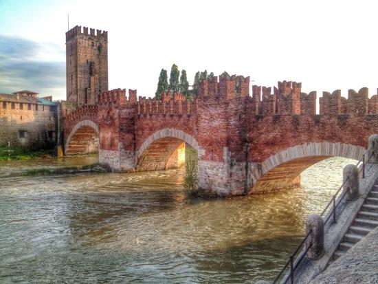 Verona, il pregiudizio del razzismo che blocca il turismo italiano