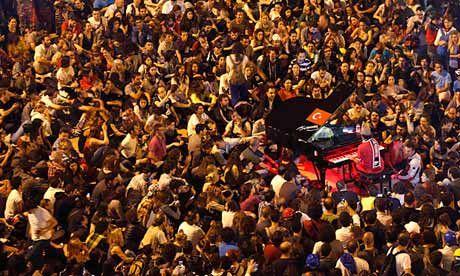 Davide Martello a Piazza Taksim per la pace