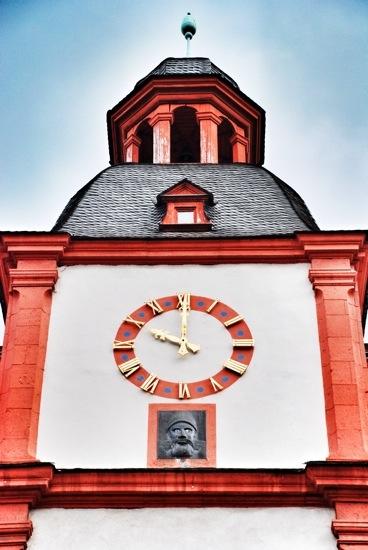 L'orologio che fa le linguacce di Coblenza