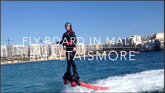 Fare Fly Board a Malta, come camminare sull'acqua senza essere Dio.
