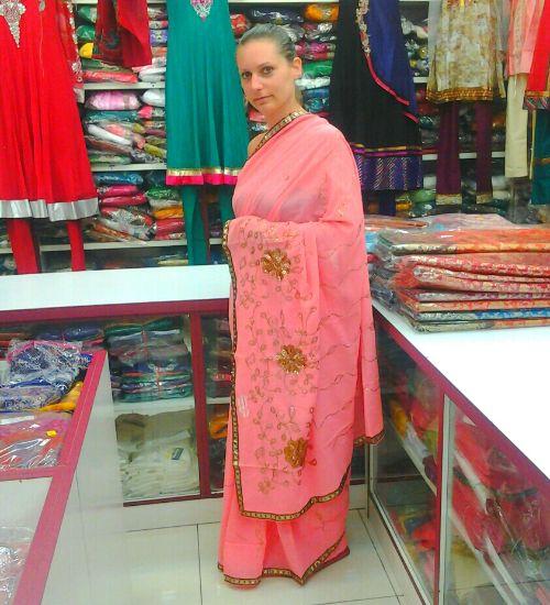 Elisa con il Sari indiano