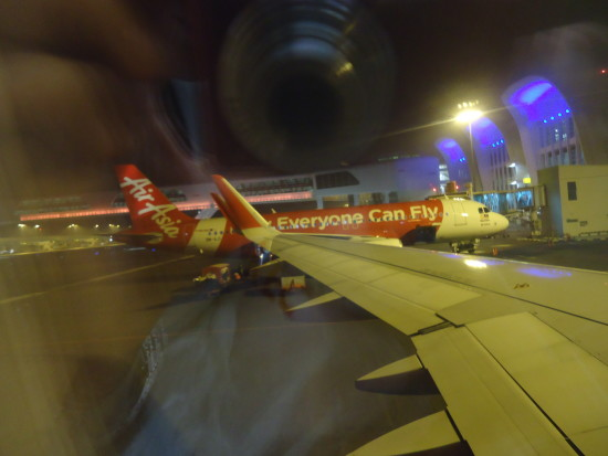 """lo slogan della compagnia lowcost asiastica Air Asia: """"everyone can fly"""" ..verissimo!"""
