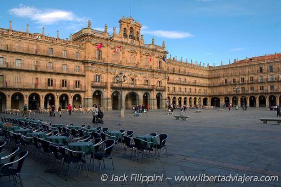 Perché Viaggiare da Soli a Salamanca