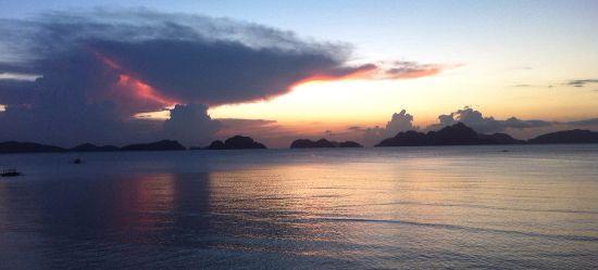 Un tramonto incantevole dal ristorante Seadive Resort Coron