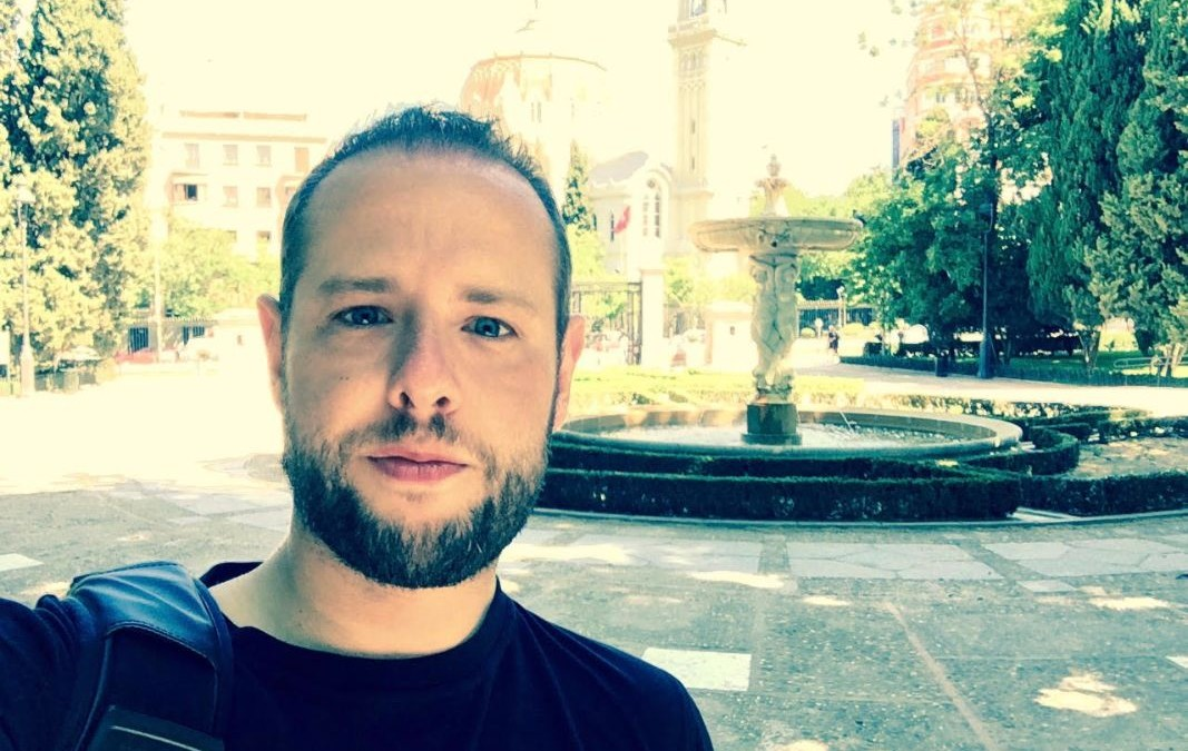 Marco Cattaneo, ogni 3 mesi cambia città, un nomade digitale europeo
