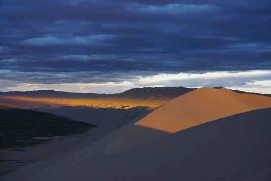 Tramonto nel Gobi Mongolia
