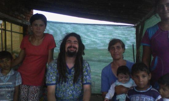 """Con delle famiglie rom nel ghetto """"zingaro"""" di Chirpan, Bulgaria."""