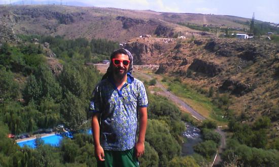Ashtarak, Armenia. Foto scattata da Edgar, uno del posto che mi portò lì da Yerevan.