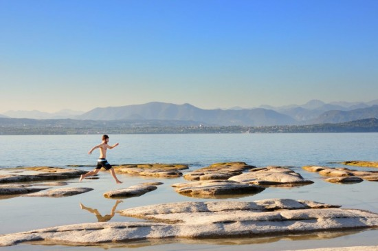 wild swimming italy -Sirmione