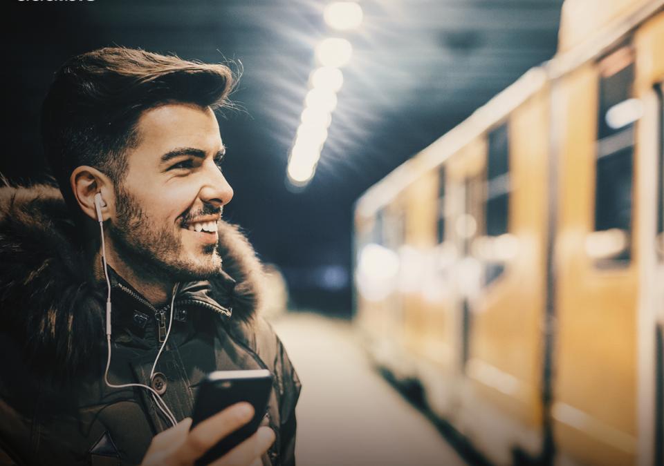 Con Audible puoi ascoltare i libri mentre viaggi ovunque ti trovi