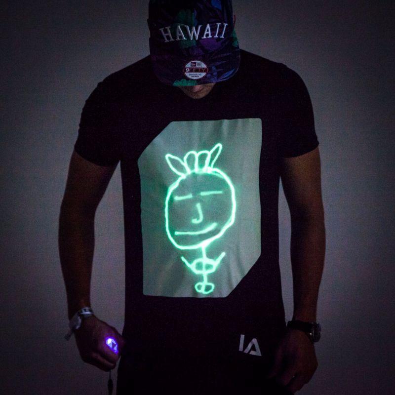 interactive-glow-t-shirt-magliette-interattive-354