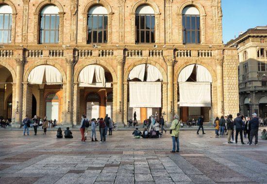 palazzo della Borsa Bologna