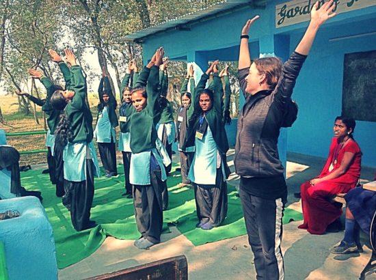 yoga con bambini India