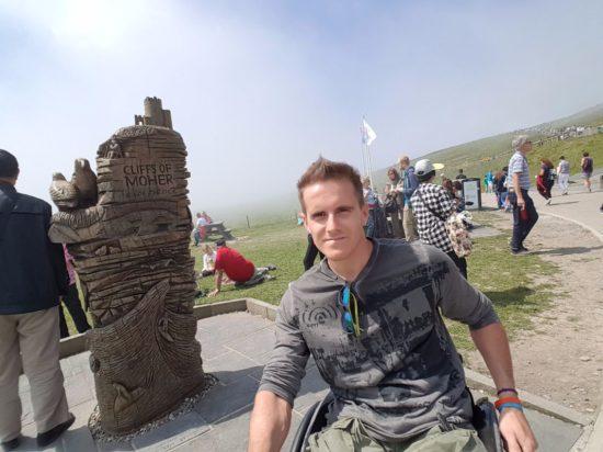 viaggiare sulla sedia a rotelle
