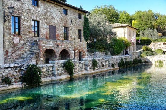 Le terme di bagno vignoni benessere in val d 39 orcia - Agriturismo bagno vignoni terme ...