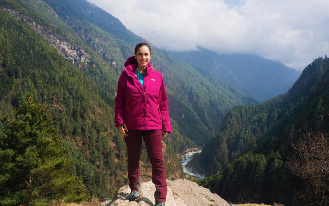 Chiara: cantante e viaggiatrice, trekking fino al campo base Everest in Nepal