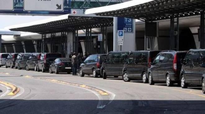 Taxi per Roma Fiumicino un transfer sicuro per andare in aeroporto