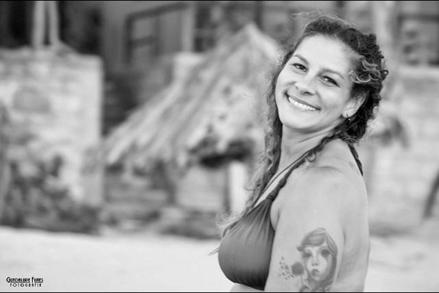 Elisa esperienze di viaggio strane: ero la donna di un boss del narcotraffico in Perù