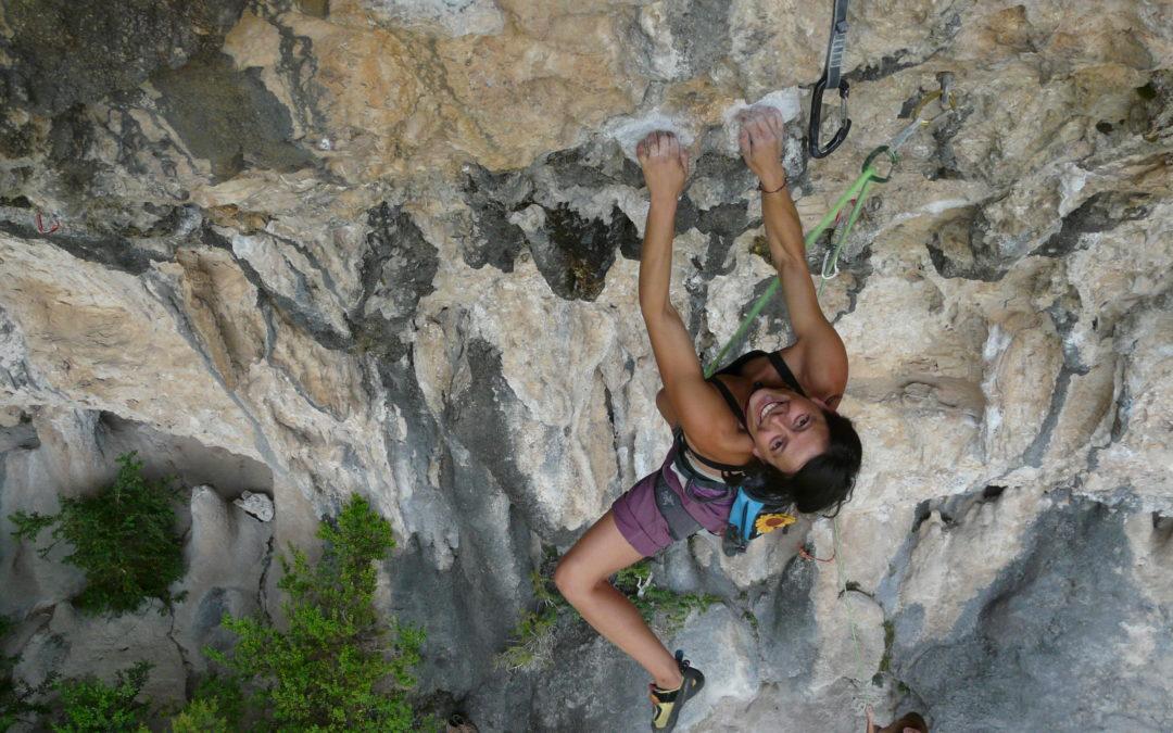 Raffaella da un anno vive in van spinta dall'amore per l'arrampicata