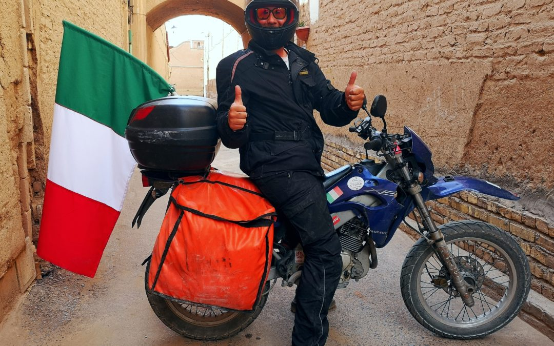 Stefano: da Chiavari all'India viaggio in moto su un 125cc