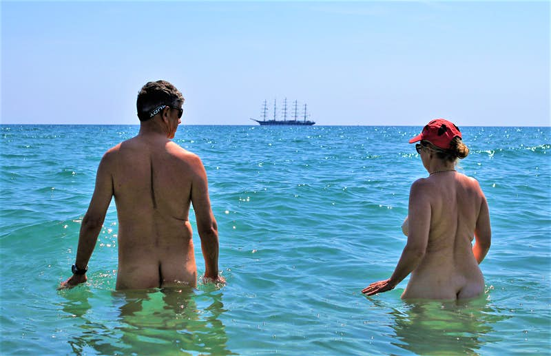 Crociera nudista nel Mediterraneo: un nuovo modo per lavorare sul senso di libertà