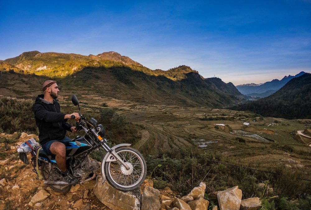 Mirko: da 25 mesi in viaggio racconta il suo sequestro in Laos