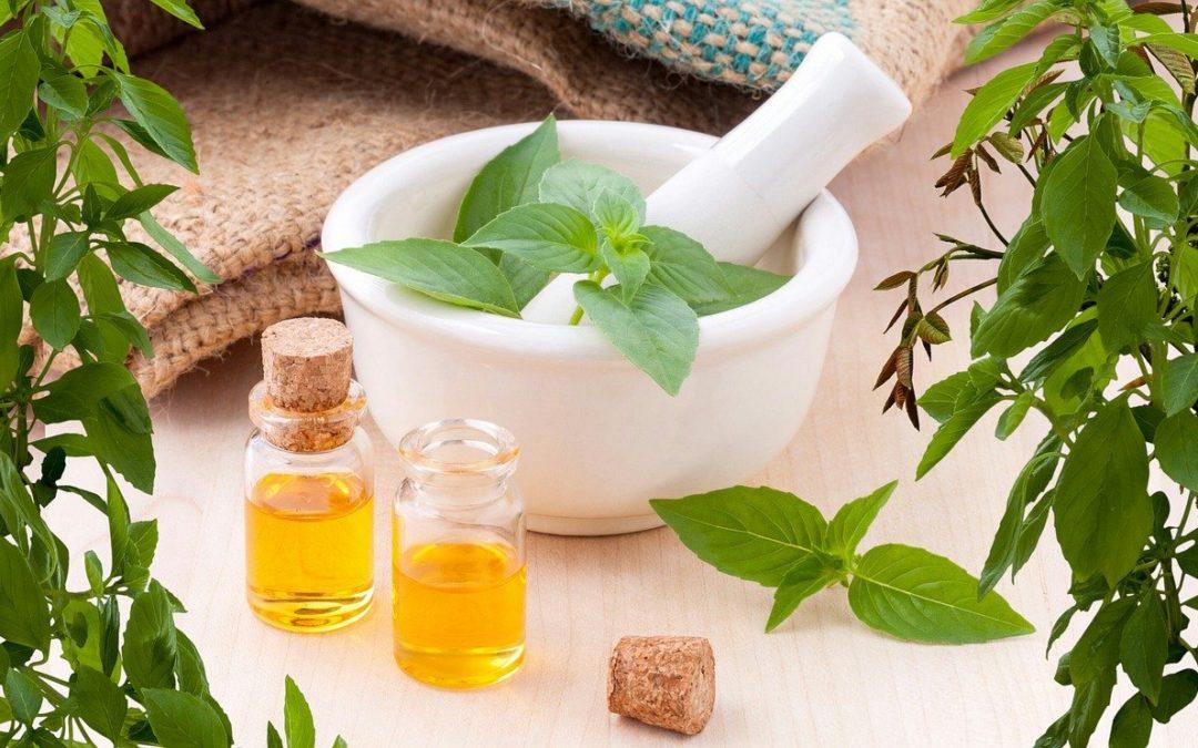 Proteggersi e disinfettarsi con gli Oli Essenziali